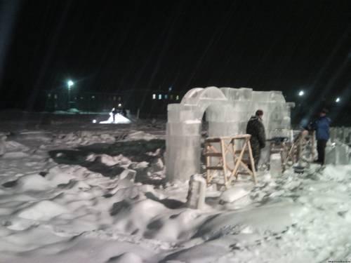 Строительство ледяного городка